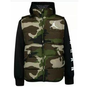 Boys NWT Jordan Large Layered Hooded Puffer Jacket